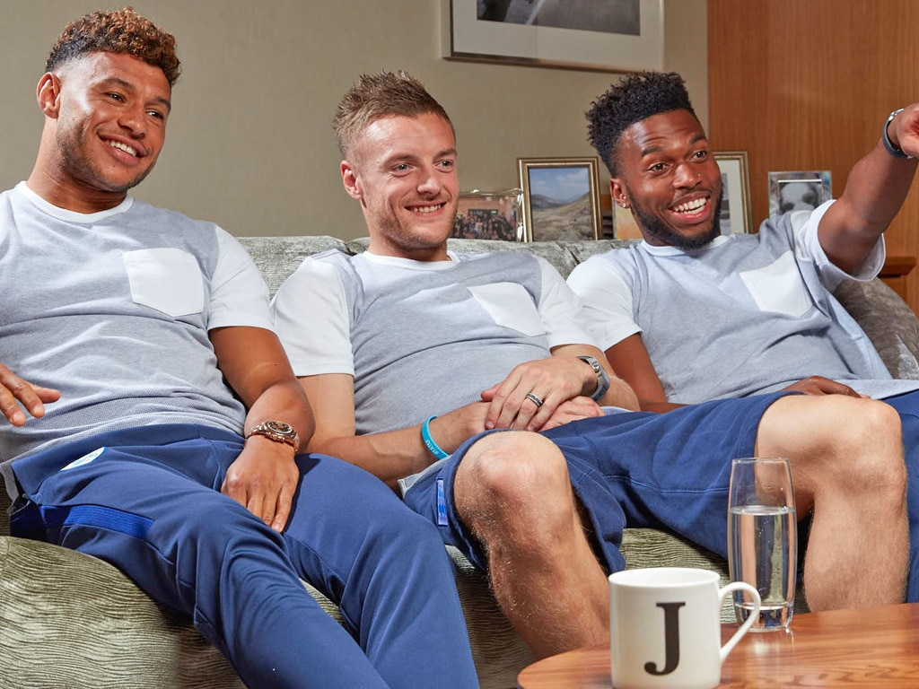 Oxlade-Chamberlain, Vardy and Sturridge chill on the sofa in England's training kit