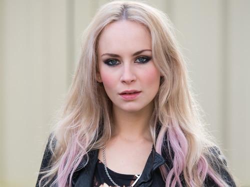 Ash Kane (Holly Weston)