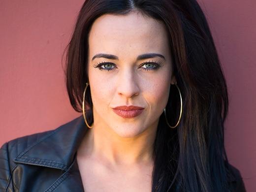 Sinead Roscoe (Stephanie Davis)