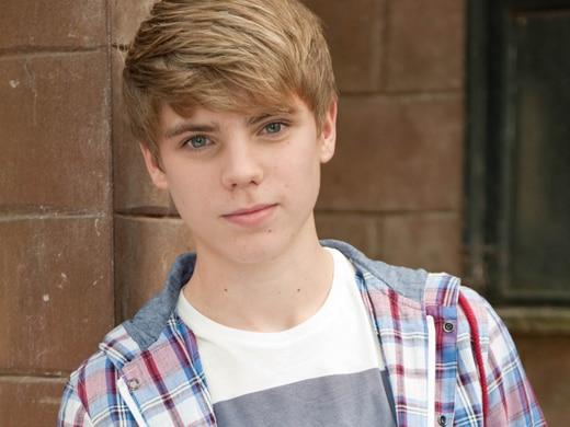 Declan Brady (Jay Duffy)