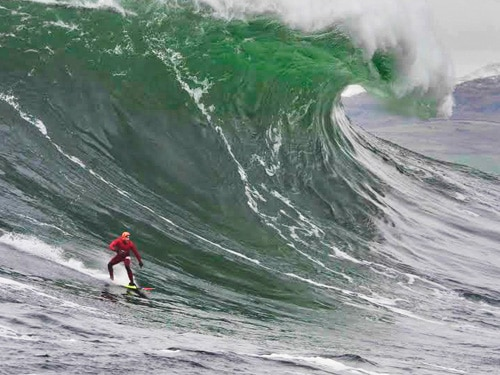 Man vs Wave