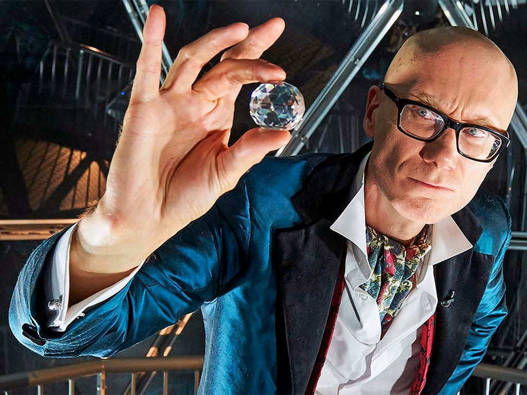 Stephen Merchant with a Crystal