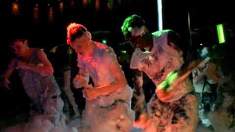 S2-Ep3: Foam Fun