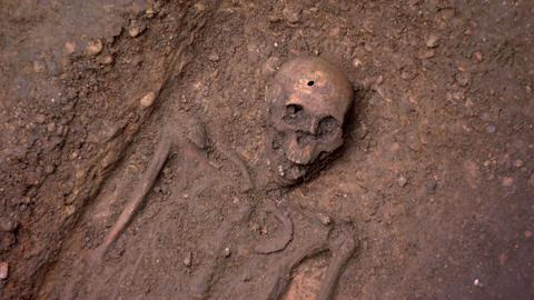 Black Death: Crossrail Skeletons