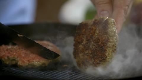 S1-Ep3: Mean Burger