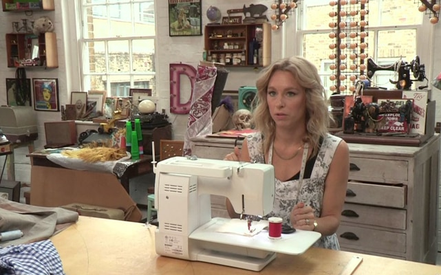 This Old Thing: How to Thread a Sewing Machine
