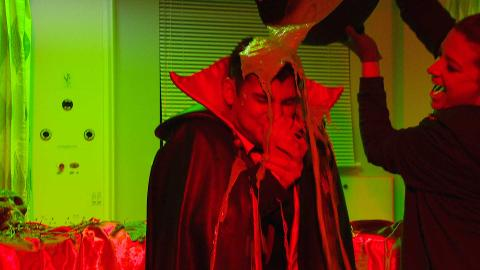 #HollyoaksHalloweenLive: Kieron gets gunged!