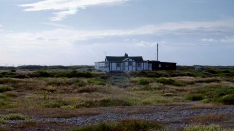 S1-Ep4: Dungeness Design