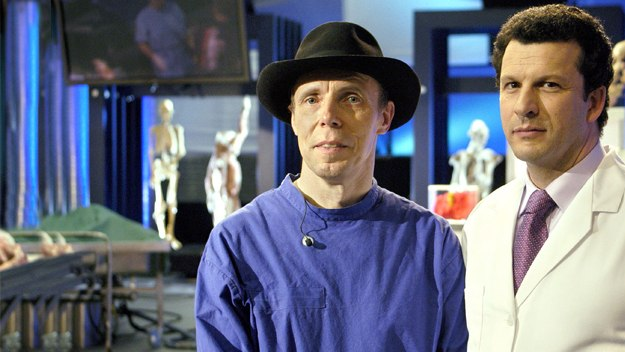 Anatomist Dr Gunther von Hagens and pathologist Professor John Lee get right under the skin to reveal the processes in life that tie us to our ultimate fate in death