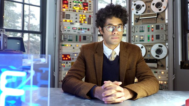 Richard Ayoade welcomes viewers to the world of gadgets and new technology - covering everything from the everyday to the extraordinary