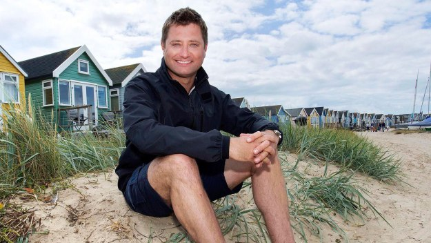 George Clarke explores the extraordinary world of small builds, where people turn tiny spaces into the most incredible places to live, work and play. He even tries making a few of his own.