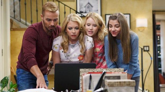 Melissa & Joey: Joe, Mel, Lennox and Dani