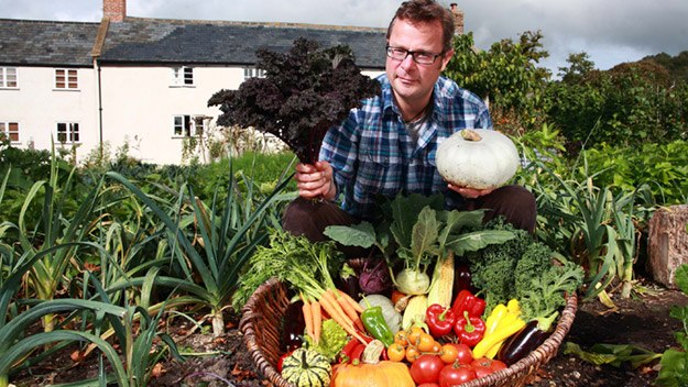 Hugh Fearnley-Whittingstall goes back to the land and the sea in search of an alternative culinary lifestyle. Hugh grows his own produce and sees if he can make vegetables the stars of any meal.