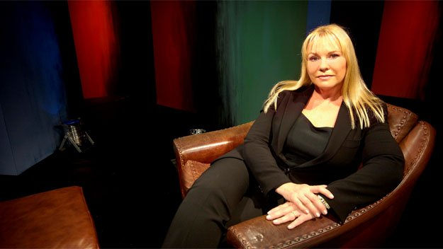 Shrink Rap is an antidote to the conventional chat show, presented by psychologist Dr Pamela Connolly - also known as actress and writer Pamela Stephenson.