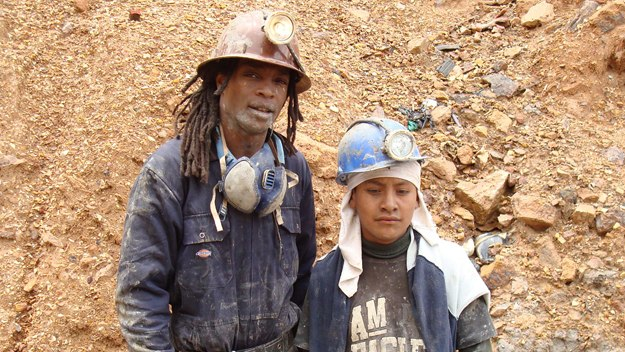 Unreported World, Bolivia's Child Miners: Seyi Rhodes with a child miner