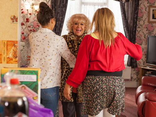 Hollyoaks - Articles - #FriYAY: An Interview with Diane Langton