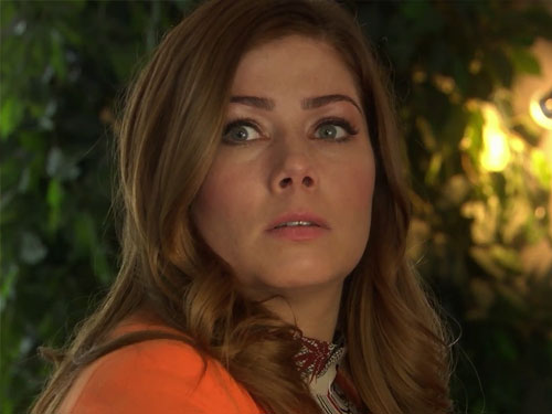 #FriYAY: An Interview with Nikki Sanderson (Maxine Minniver)