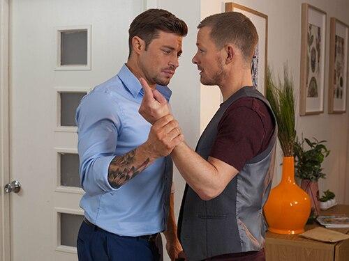 Shane warne denies gay rumours