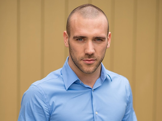 Adam Donovan (Jimmy Essex)