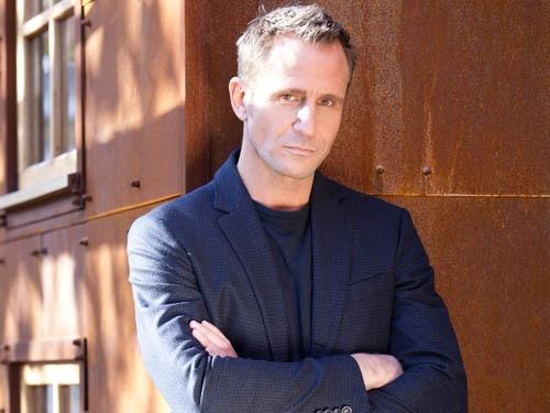 Patrick Blake (Jeremy Sheffield)