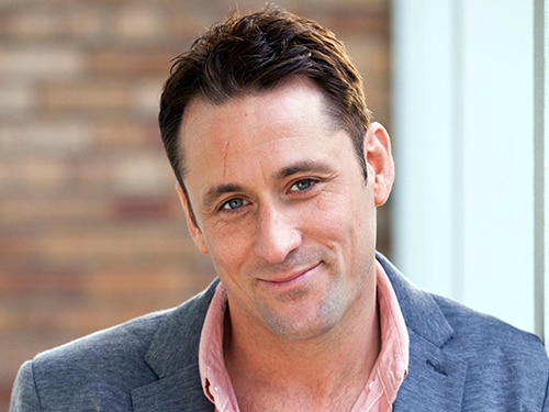 Tony Hutchinson (Nick Pickard)