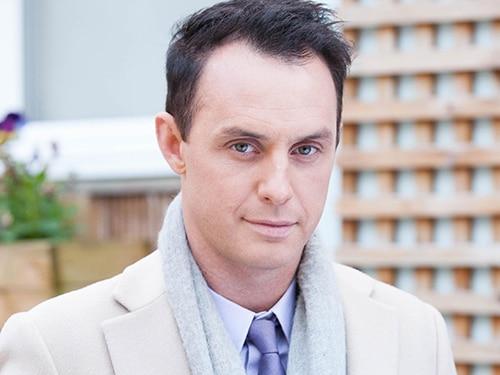 James Nightingale (Gregory Finnegan)