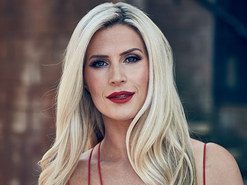 Mandy Richardson (Sarah Jayne Dunn)
