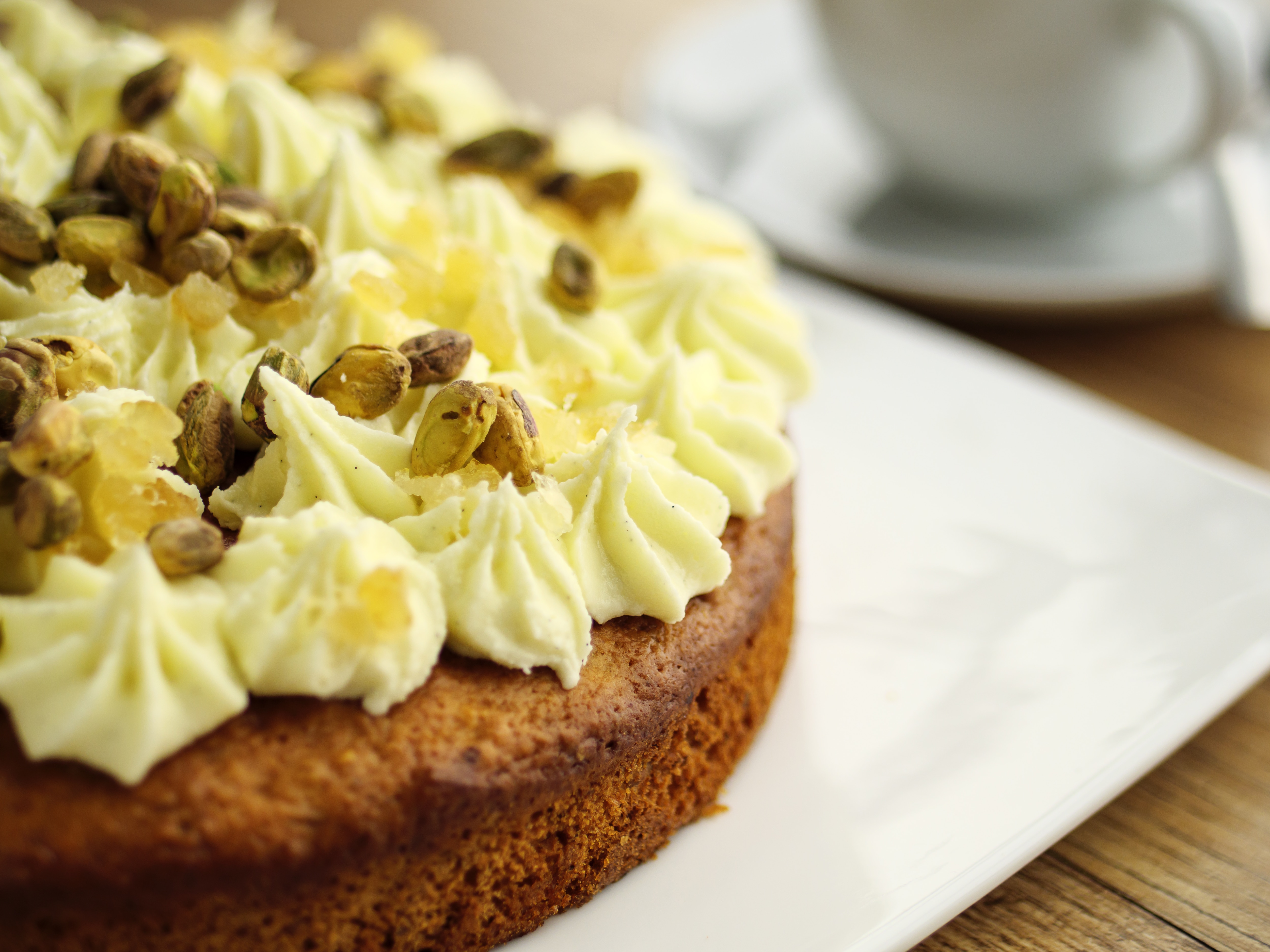 Lemon & Pistachio Cake