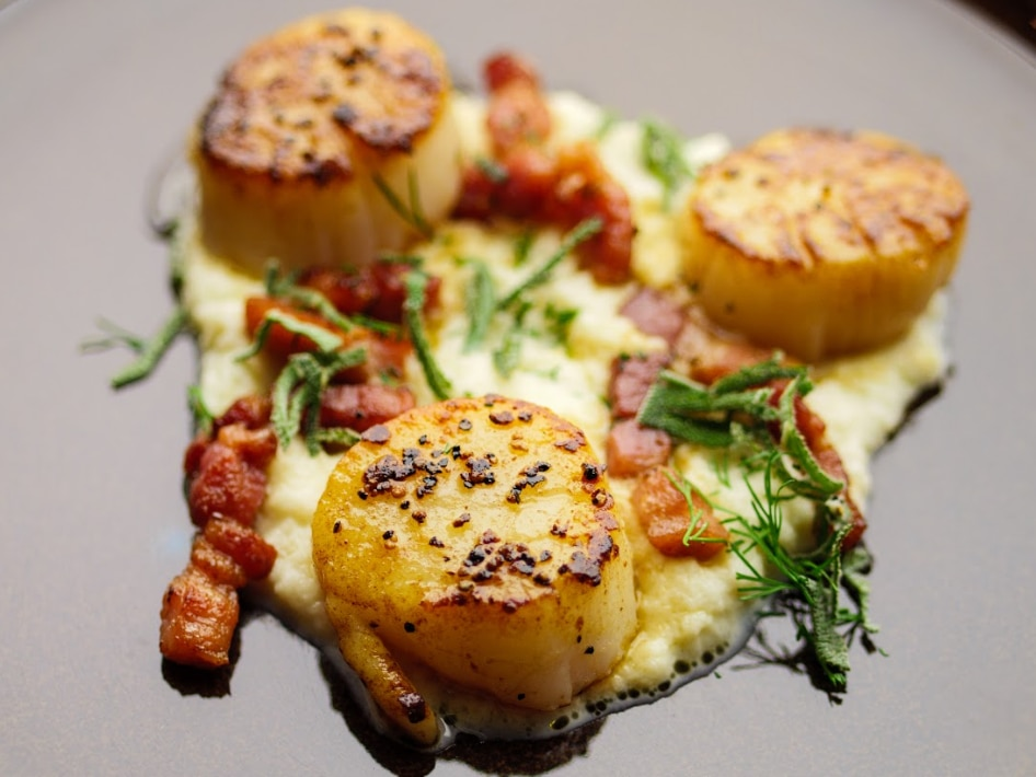 Scallops With Creamed Cauliflower and Bacon