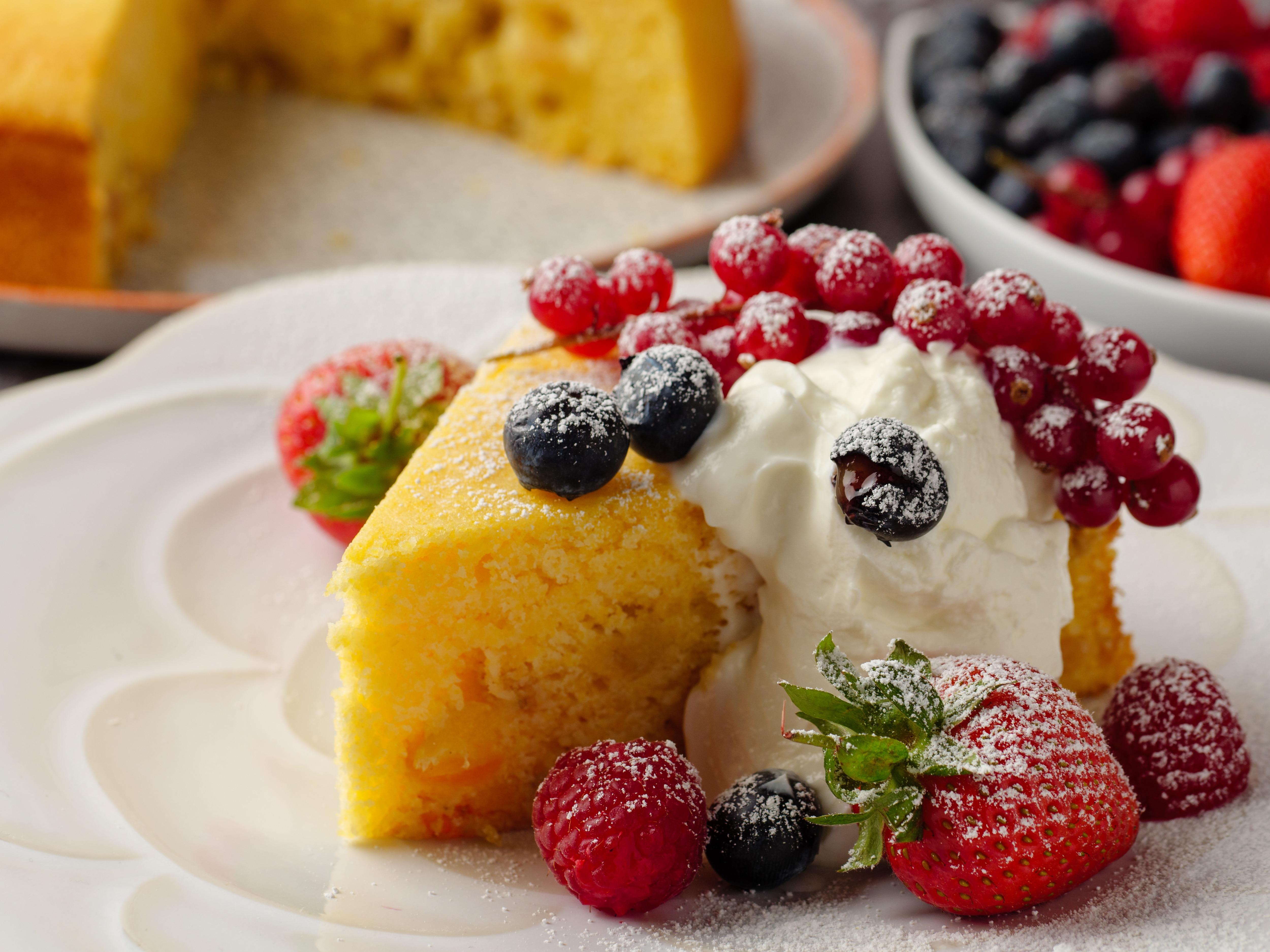Limoncello, Raisin & Ricotta Cake