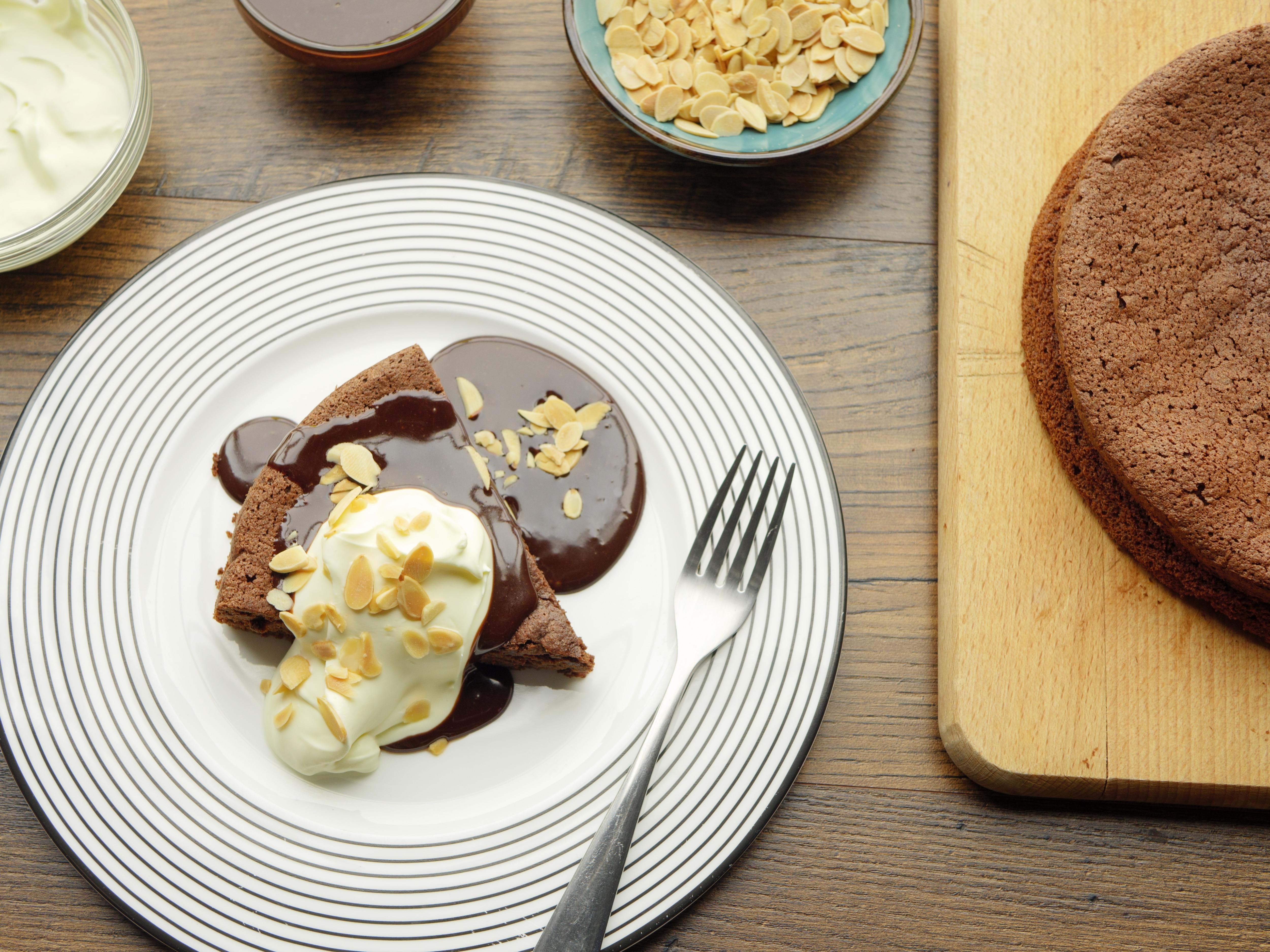 Flour-Free Chocolate & Almond Cake