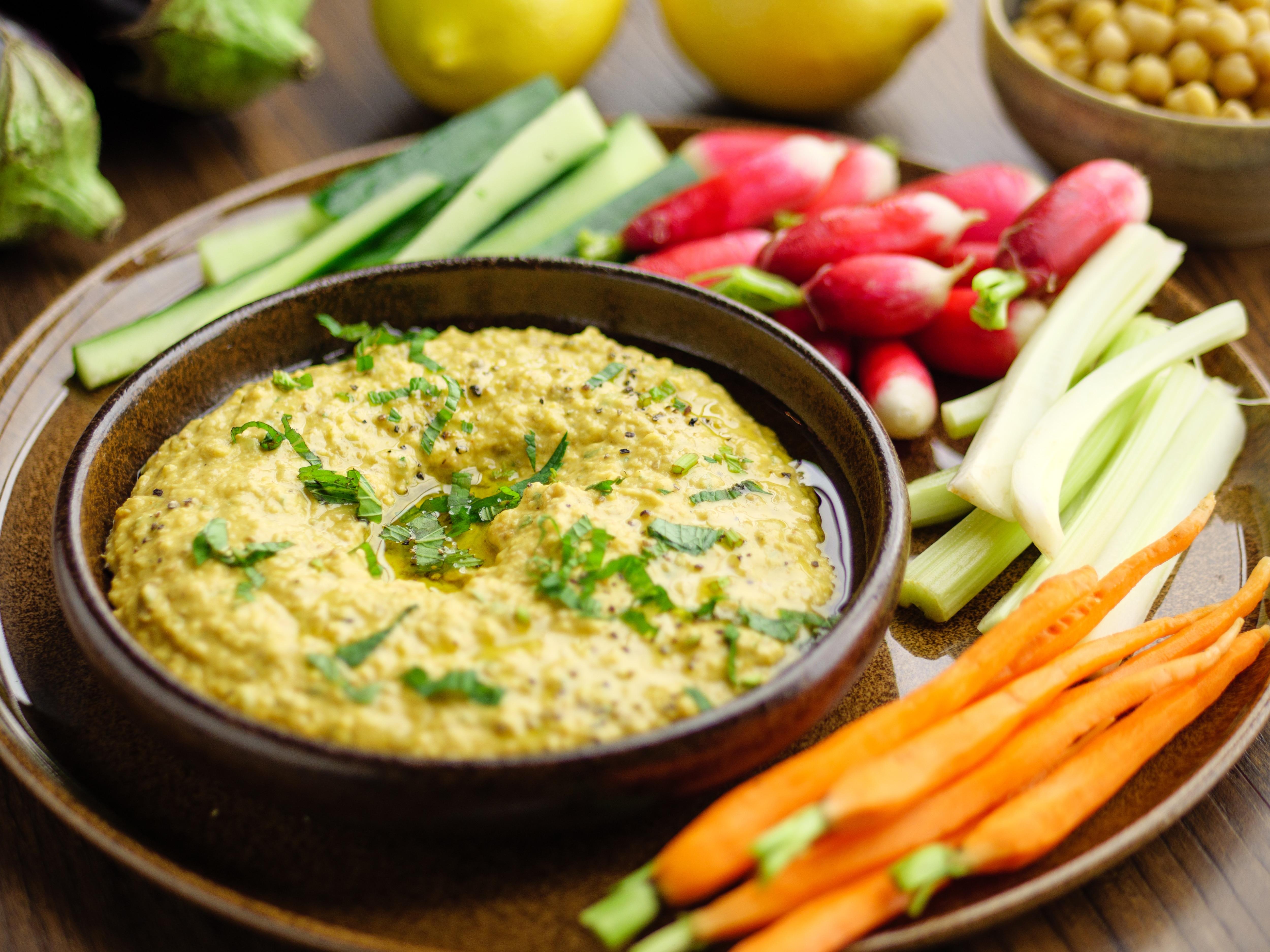 Aubergine Hummus With Crudites