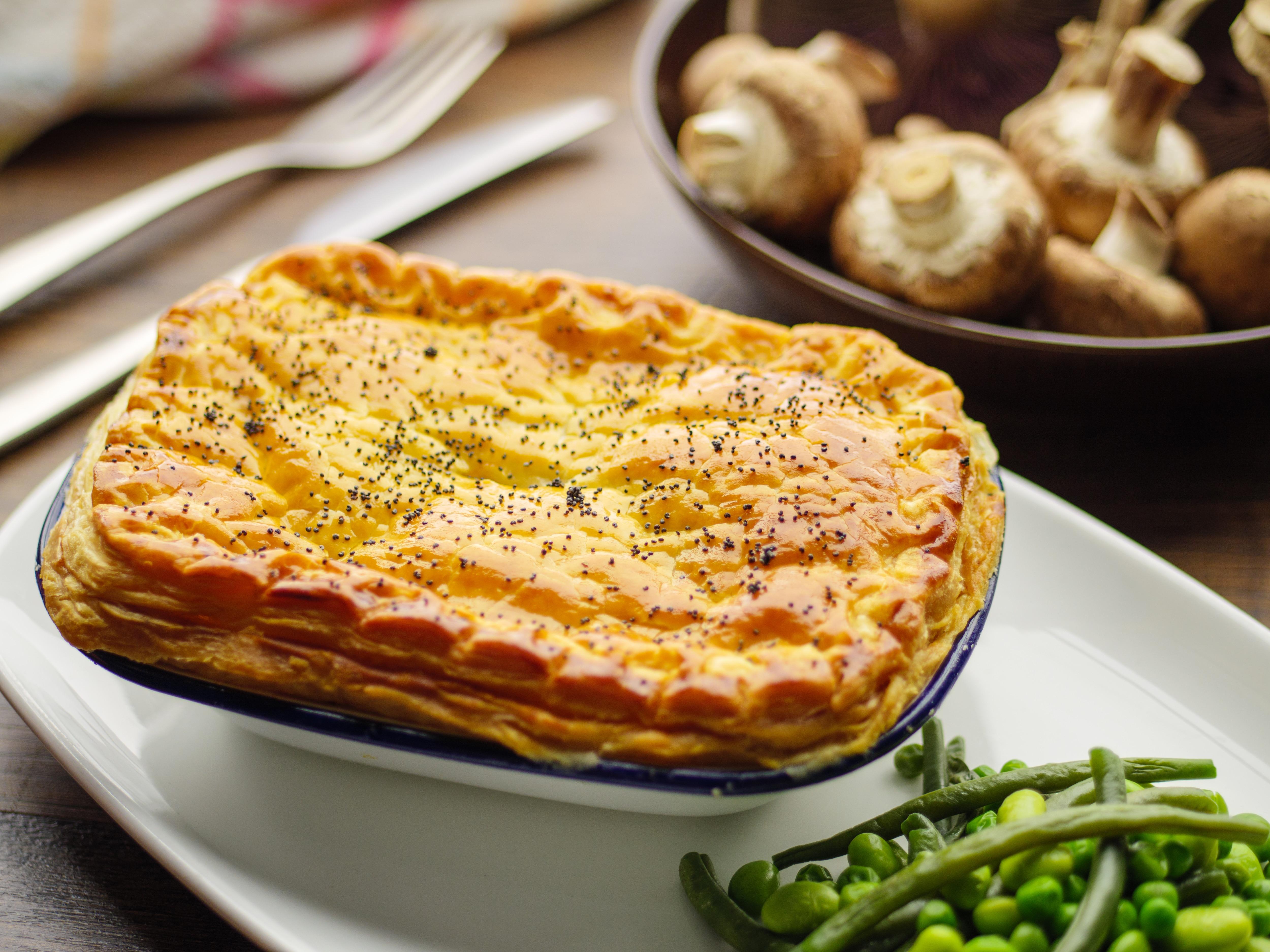 Jo Pratt's Creamy Mushroom, Leek & Chestnut Pie