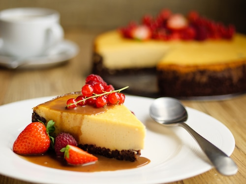 Vanilla custard and chocolate cheesecake