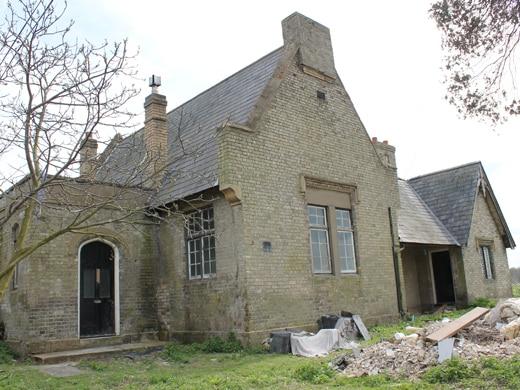Tudor Revival School Suppliers