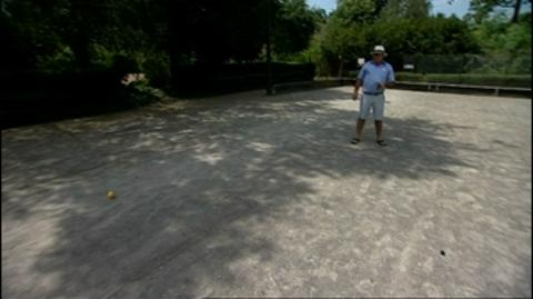 A Hand at Boules
