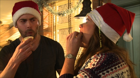Nikki and Cameron's Mince Pie Face Off!