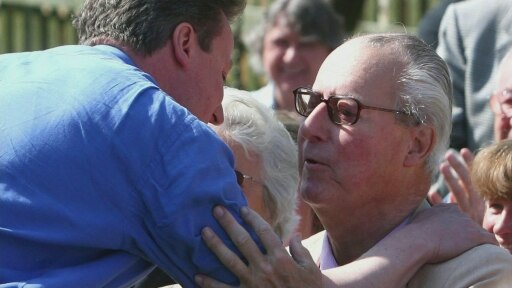 David Cameron's father left offshore assets in tax haven