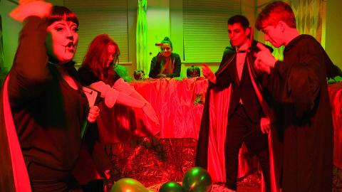 #HollyoaksHalloweenLive: The Eye-Popper Challenge
