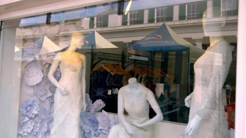 S3-Ep1: Bridal Store