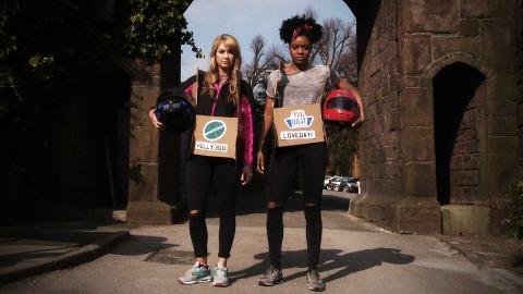 Amanda and Kiza Race for Hollyoaks Victory!