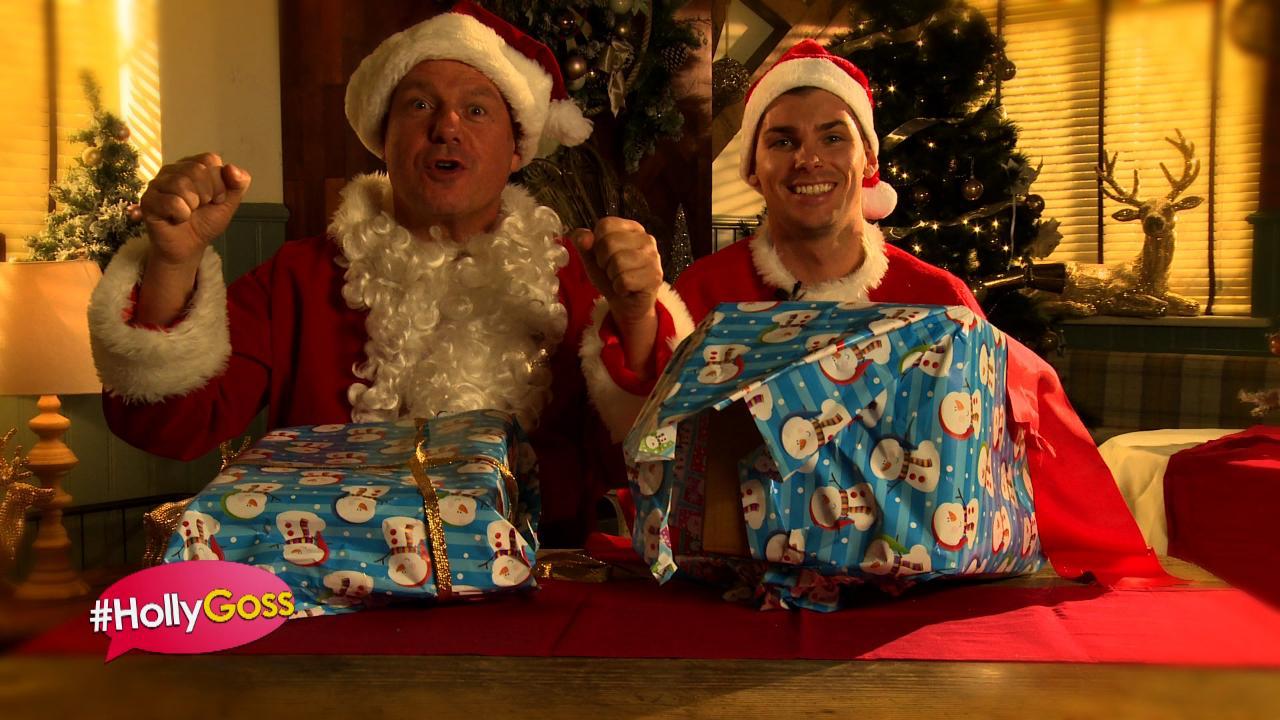 #HollyGoss - Santa Wrap Battle