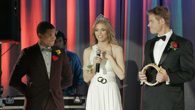90210 - The Prom Before The Storm