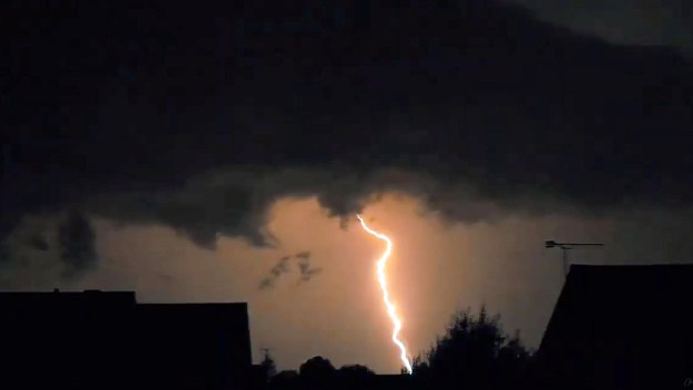 Britain's Extreme Weather:… - Britain's Extreme Weather: Superstorms...