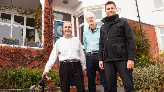 George Clarke's Old House, New Home - Series 4 Episode 5: The Wirral & Lingfield, Surrey