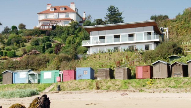 5 Homes That Prove That Less Is More: Homes By The Sea
