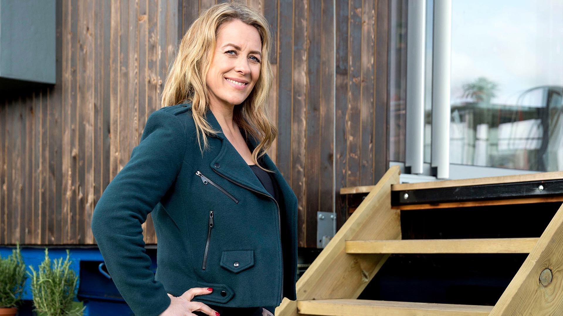 how to live mortgage free with sarah beeny all 4 rh channel4 com channel 4 sarah beeny rise hall