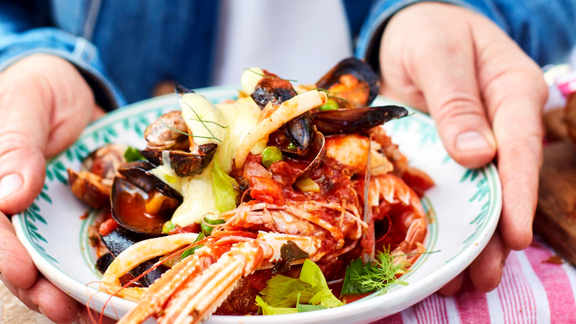 Jamie cooks italy all 4 channel 4 mon 20 aug 830pm episode 2 forumfinder Image collections