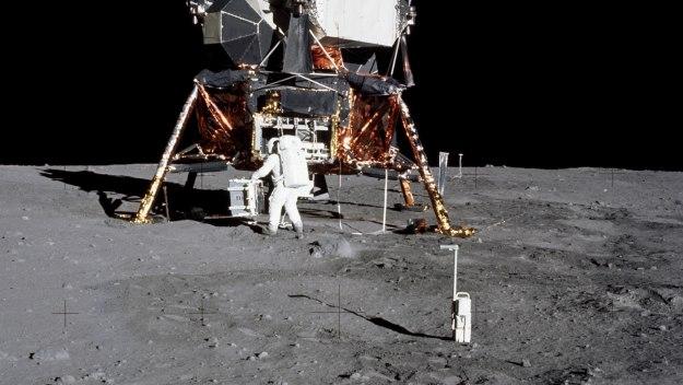 Moon Landing Live - Moon Landing Live: Update 5