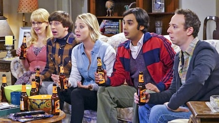 The Big Bang Theory: Bernadette, Howard, Penny, Raj and Stuart